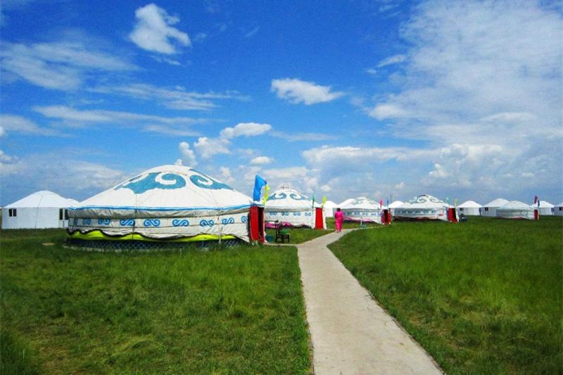 草原蒙古包住宿