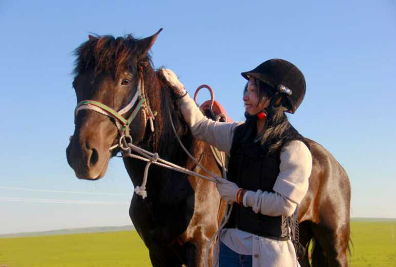 呼伦贝尔骑马 专业教练 自驾游必选当地玩法