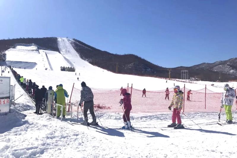 金龙山滑雪场1