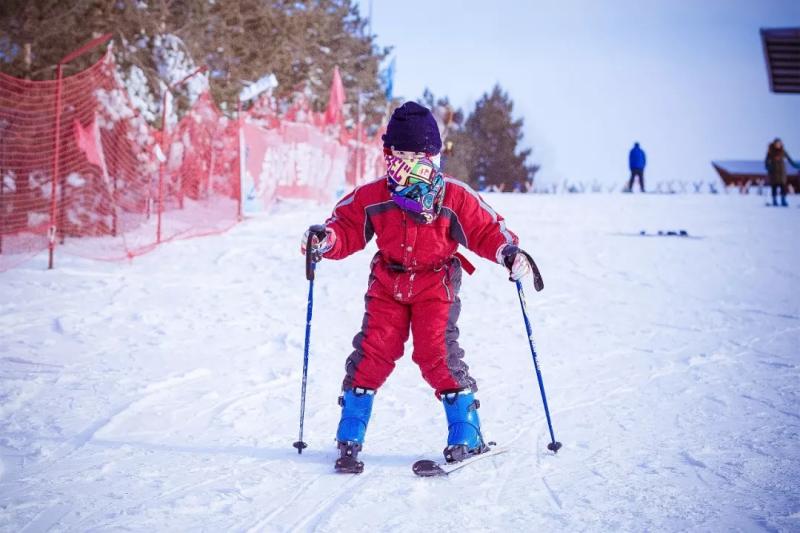 海拉尔东山滑雪场5
