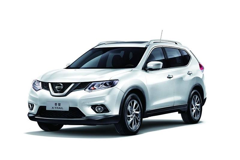 呼伦贝尔旅游包车_租车,首选5座尼桑新奇骏SUV越野车型