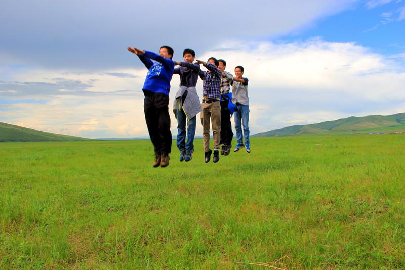 行走在美丽的呼伦贝尔大草原,一路向北