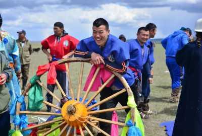 5月8日,鄂温克旗伊慕讷节,草原春天丰收会约起来